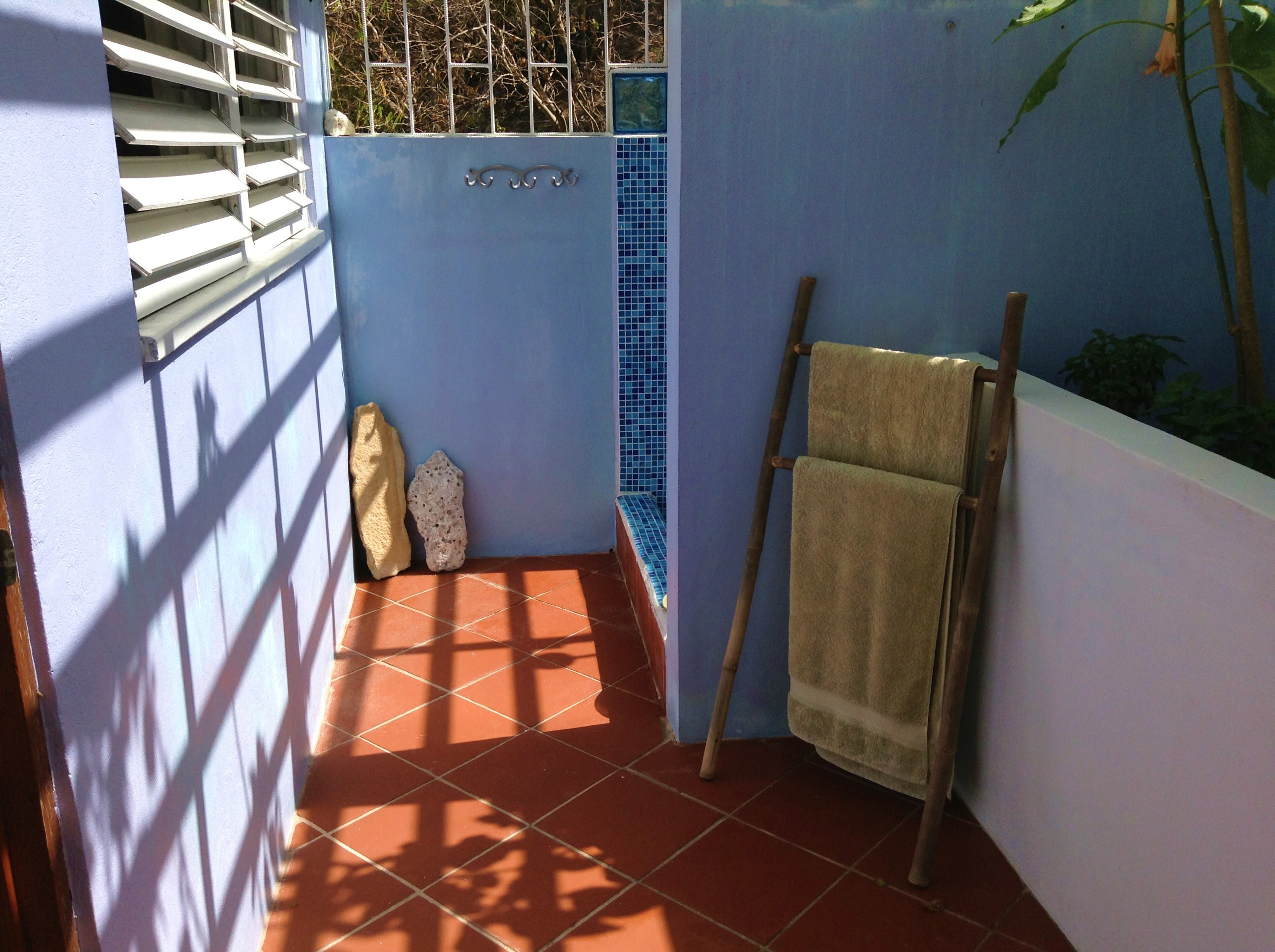 outdoor shower room entrance