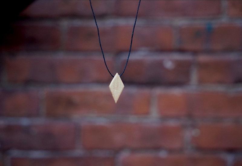 Wooden diamond neckless