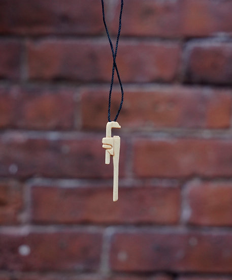 Wooden wrench neckless