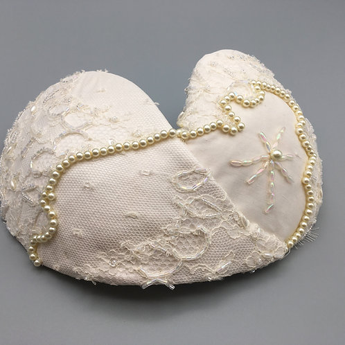 Pearl - Double teardrop headpiece covered in white silk and beaded lace