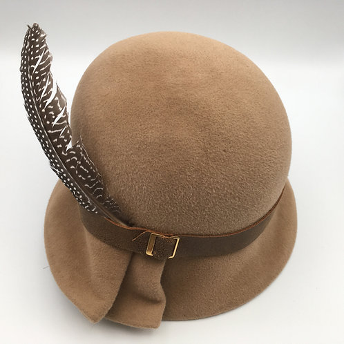 Isabelle - Camel coloured fur felt cloche hat with a leather band and a feather
