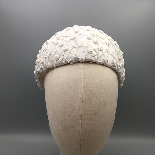 Sylvie - Halo headband in white silk and lace