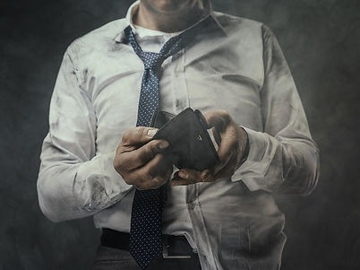 jobless-businessman-with-empty-wallet-PE