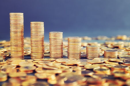 stacks-of-golden-coins-arranged-as-a-cha