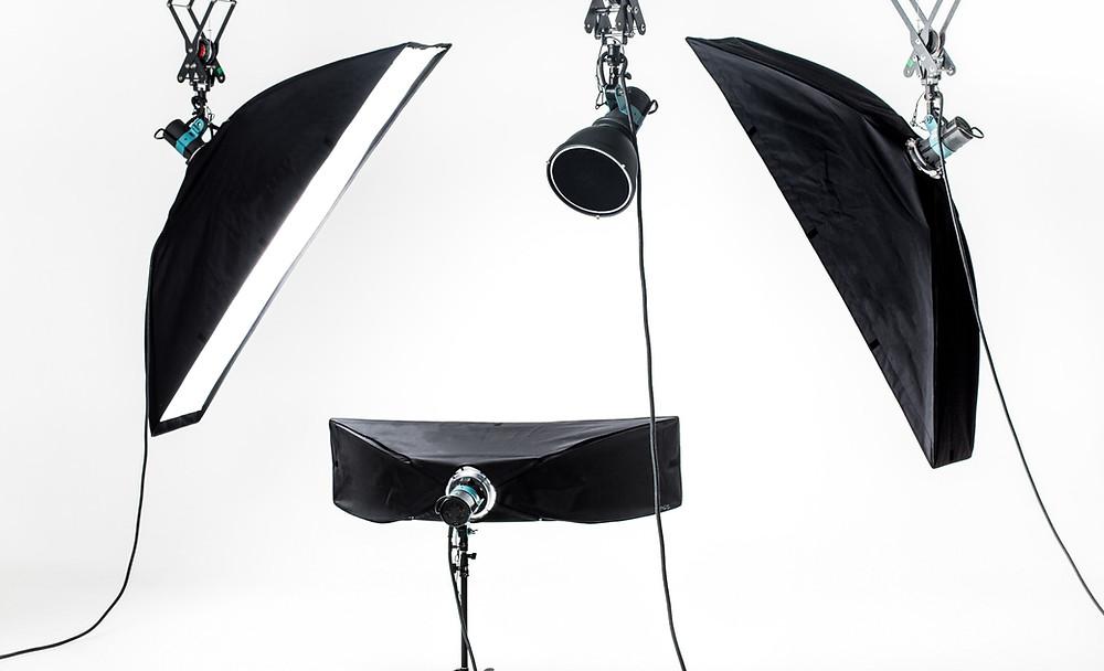 dicas de estética, equipamentos de iluminação em um estúdio fotográfico