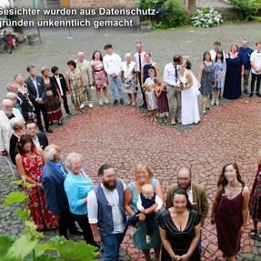 Hochzeitsgesellschaft_Amélie+GeorgGaime_2021-07-31_IMG_0007_02.JPG