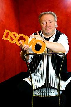 Manfred Hilberger mit DSGVO Schriftzug