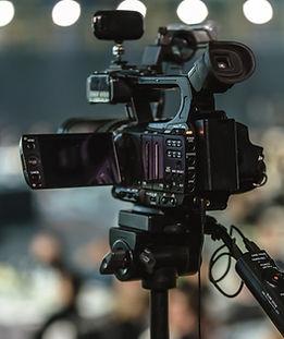Videokamera_lens-3143893_1920.jpg