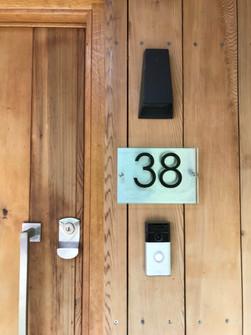UCHI 9076 Door.jpg