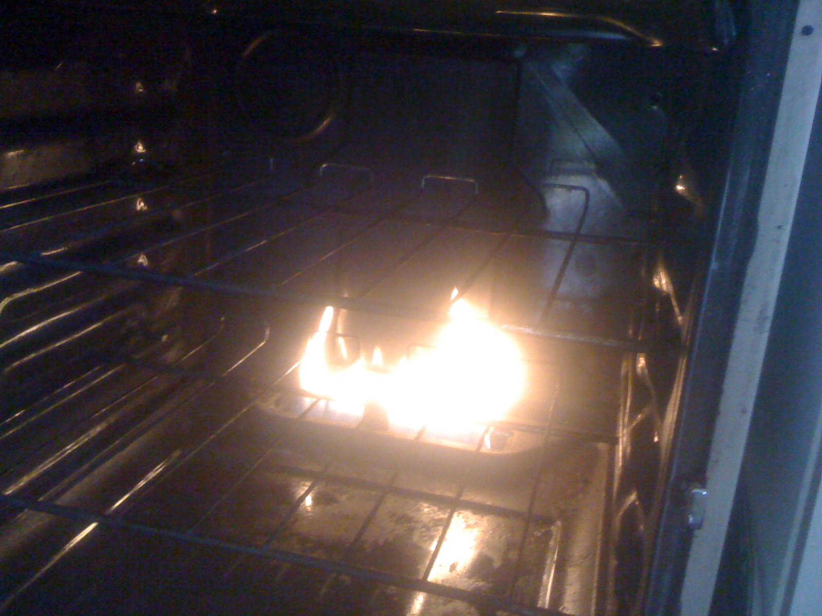 Dangerous cooker. Thetford.