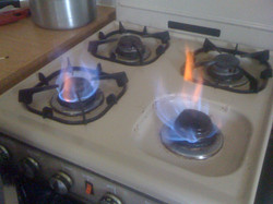 Dangerous gas cooker. Thetford.