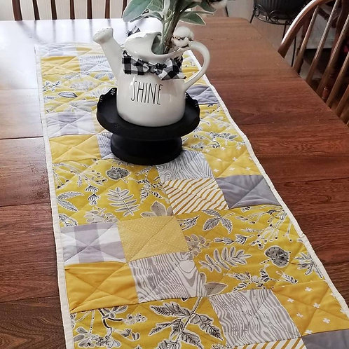 Learn To Quilt Table Runner - Wednesday April 17 - 6pm