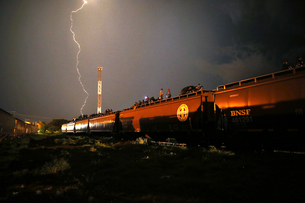 40_Train Lightning_small