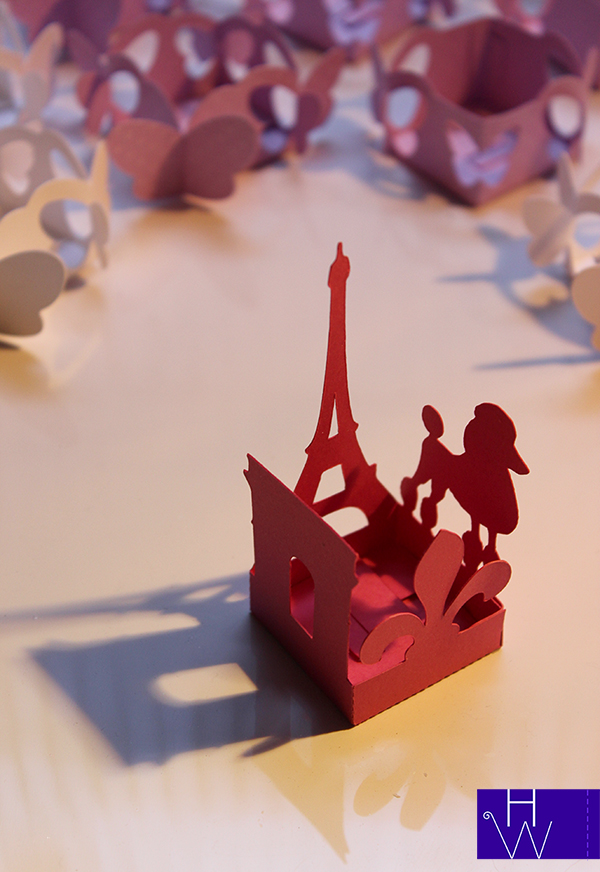 Antiga Paris forminha Arco e Torre.jpg