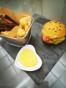 Tuti Fruti Burger