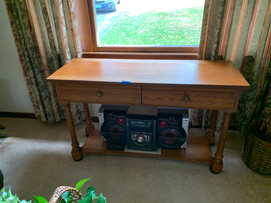Broyhill sofa table.jfif