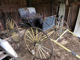 Antique horsedrawn buggy.jfif