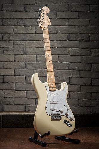 Fender  Japan Stratocaster ST72-VWH cream white