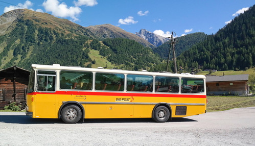 Postauto Berner Oberland.jpg