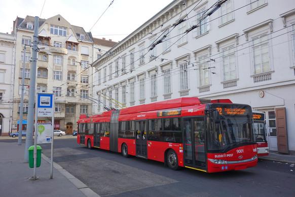 Budapest Solaris Trolleybus.jpg