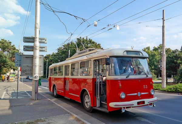 Bratislava Skoda Trolleybus.jpg