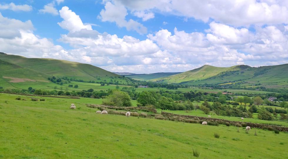 Vale of Edale, England.jpg