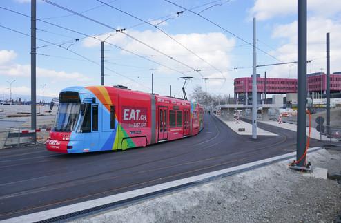 Geneva Ad Tram, 2018.jpg