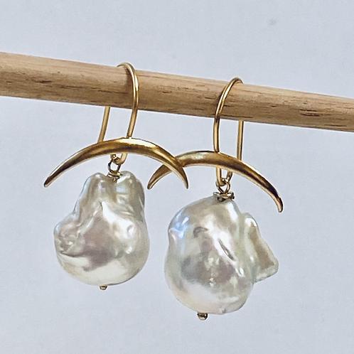 Momi Baroque Earrings