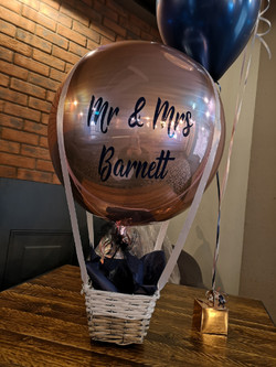 wedding hot air balloon mr & mrs helium