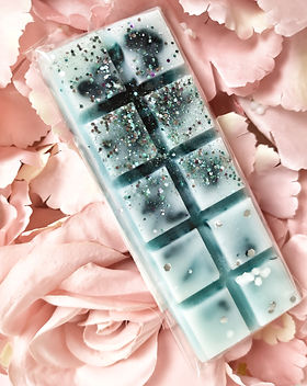 winter pine wax melt snap bar.jpeg