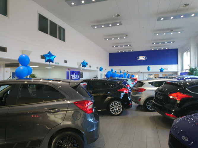 car showroom balloons ford promotional b