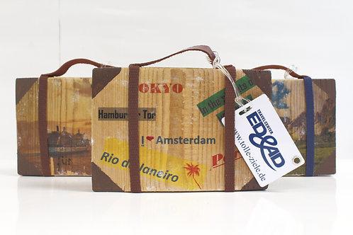 Reisegutschein mit Holzkoffer