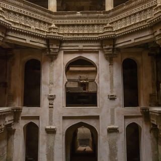 Adalaj Stepwell - Symmetry