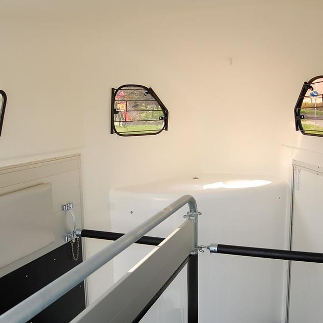 gold-2-sattelkammer-zusatzfenster (1).jp