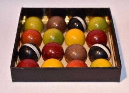 Boîte luxe de 16 dômes chocolatés colorés
