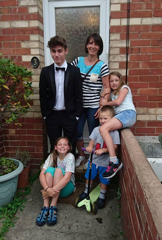 HOST FAMILY DEVON