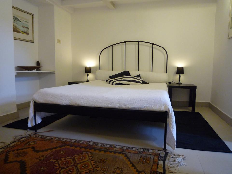 Suite Camelia - camera da letto.jpg