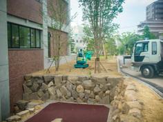 スロープ石積み・植栽