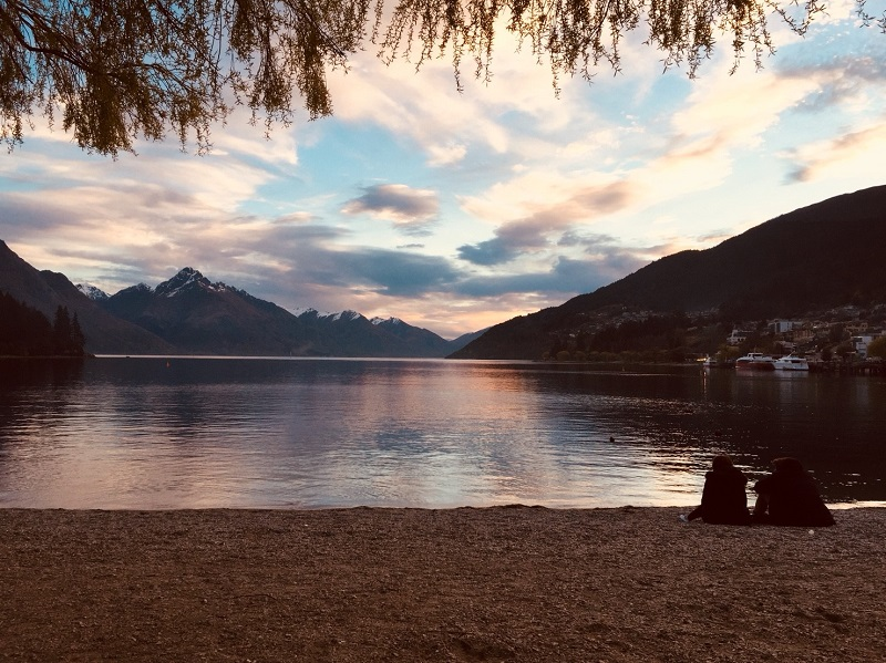夕暮れのワカティプ湖