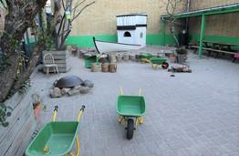 シュタイナー幼稚園の園庭