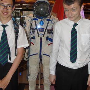 Students See Tim Peak's Space Craft