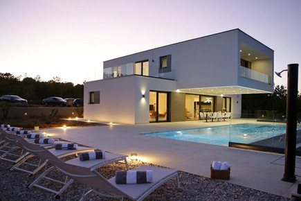 Villa in late afternoon