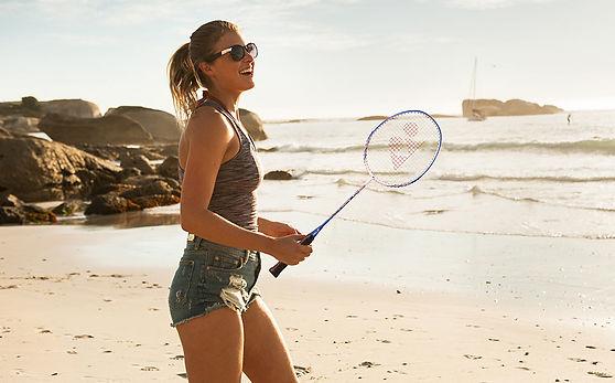 badmintonracketdame.jpg
