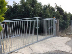 PRINCE swinging gate automation