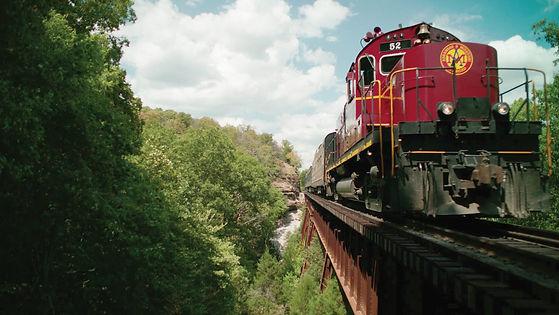 web-train-2000.jpg