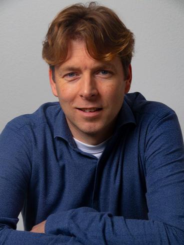 Dr Bas Holverda