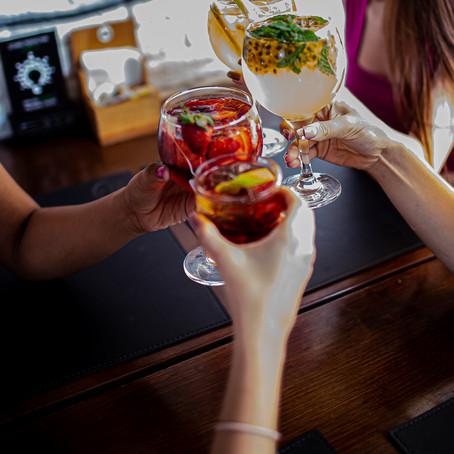 Férias: restaurantes investem em happy hour com até 50% de desconto
