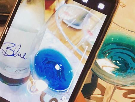 Vinho Azul, conhece essa bebida?