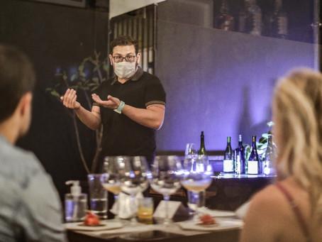 002Café promove noite de degustação de vinhos
