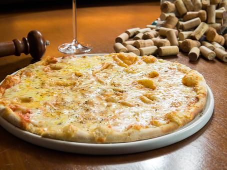 Celebre o Dia Mundial da Pizza, neste sábado (10/7), com massas artesanais da Dolce Far Niente